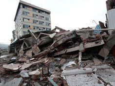 Tremor ocorreu no norte equatoriano, mas foi sentido a centenas de quilômetros de distância (Foto: AFP Photo/Juan Cevallos)