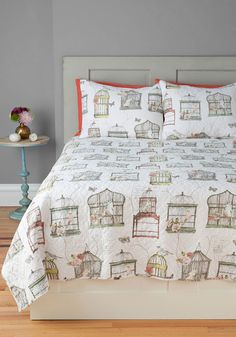 Bright and Early Bird Quilt Set in Full/Queen. Whats better than opening your window for an early morning concert from the birds chirping outside? #multi #modcloth