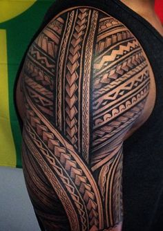 maori tattoos back Maori Tattoo Arm, Tribal Arm Tattoos, Armband Tattoo, Samoan Tattoo, Skull Tattoos, Hot Tattoos, Unique Tattoos, Body Art Tattoos, Sleeve Tattoos