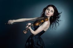 Violinist girl in short black dress makes some noise Violin Photography, Musician Photography, Experimental Music, Still Life Photos, Band Photos, Foto Pose, Portrait Photo, Musical, Photoshoot