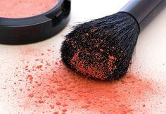 Aprenda técnicas de maquiagem profissional em curso online gratuito
