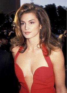 Cindy Crawford's deep comb-over // '90s beauty trends