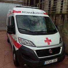 BUENOS DÍAS MUNDOOOO desde LOGROÑO !!  Desde tierras riojanas comenzamos esta jornada, conocienddo de primera mano la nueva unidad de Cruz Roja Logroño que nos muestra el compañero @CSAEZGARCIA y que nos envía saludos para todos nuestros seguid http://www.ambulanciasyemergencias.co.vu/2016/01/LOGRONO.html  #ambulanssi #ratownictwo #PCR #RCP #SVA #SVB #VIR #ambulancias #emergencias #TES