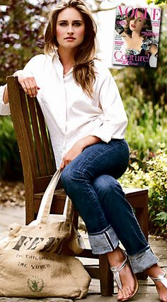 Crisp white blouse and denim...can't go wrong.