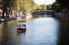 Location de bateaux sans permis Choisissez votre bassin (la Villette, canal St Martin, canal de l'Ourcq), votre bateau, la durée, et partez naviguer sur l'eau avec vos amis, à votre rythme. Prix : à partir de 40€ Site Web : http://www.marindeaudouce.fr/
