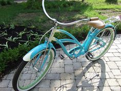 Electra Bicycle. Want for riding down cali <3