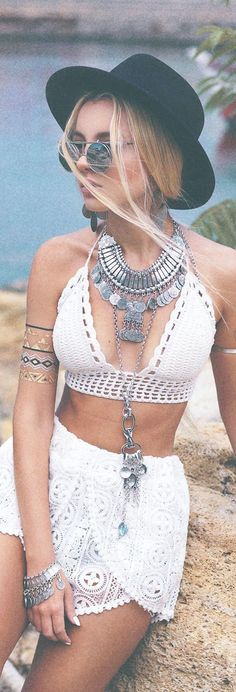 Coachella Fashion Outfits ||| 40 Coachella Festival Fashion Outfits to Live the Boho Spirit