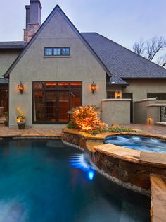 Traditional Pool Privacy Walls Design, Pictures, Remodel, Decor and Ideas - page 9