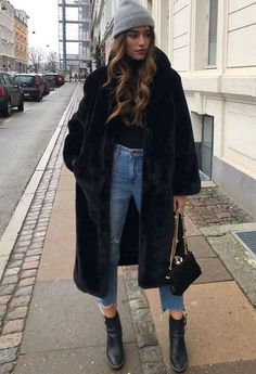 Tolle Winter Street Style Outfits, die dich stilvoll und warm halten Você traje casual juveniles Eficiente Em Imagens que oferecemos. Winter Outfits For Teen Girls, Casual Winter Outfits, Winter Fashion Outfits, Look Fashion, Trendy Fashion, Fall Outfits, Summer Outfits, Womens Fashion, Fashion Trends