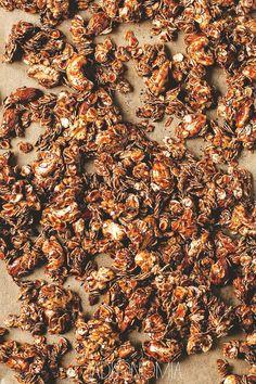 Domowa granola czekoladowa » Jadłonomia · wegańskie przepisy nie tylko dla wegan
