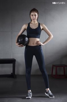 Best Weight Loss Tips in Just 14 Days If You want to loss your weight then make a look in myarticle. Kim Yuna, Sport Fashion, Fitness Fashion, Womens Fashion, Zumba, Asian Woman, Asian Girl, Athleisure, Fitness Wear Women
