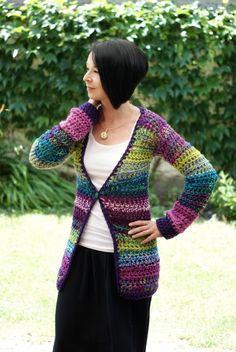 Dúhový (sveter) háčkovaný svetr pestrobarevný gombík dúhový