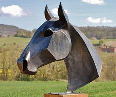 Horse Sculpture, Animal Sculptures, Cubist Sculpture, Outdoor Sculpture, 3d Paper, Paper Crafts, Origami 3d, Origami Paper, Ram Skull