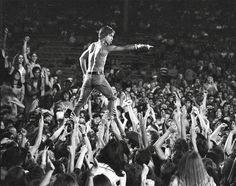 This must be one of the greatest rock & roll photos of all time - Imgur