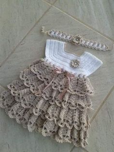 Crochet pink and gray baby dress set with rosebuds comes with How To Crochet Baby Booties Sandals - Free Crochet Patterns ✔ c - Salvabrani Image gallery – Page 397231629632509971 – Artofit No pattern :/el isi Baby Tulle Dress, Knit Baby Dress, Baby Patterns, Knitting Patterns, Crochet Patterns, Baby Girl Crochet, Crochet Baby Clothes, Creation Couture, Crochet Diagram