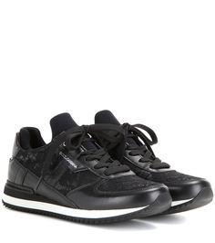 Dolce   Gabbana - Baskets en cuir et dentelle - Retrouvez tout le charme du  style 439dafa7b986