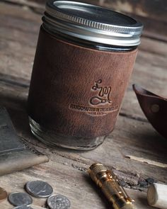Leather Mason Jar Sleeves are in stock. You can't go wrong with these guys.  http://ift.tt/2qcE8mz . . #LMLeatherGoods #Est1975 #MadeInUSA . . . . . #leather #leathergoods #edc #everydaycarry #belt #keyfob #keys #kit #journal #fieldnotes #pocket #wallet #leatherwallet #dailycarry