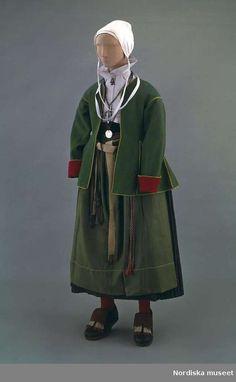 Kvinnodräkt, Mora socken, Dalarna.   Wåger, Ulla Folk Costume, Costumes, Swedish Fashion, Traditional Outfits, Folk Art, Raincoat, Jackets, Folk Clothing, Fictional Characters