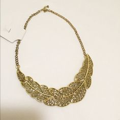 ⭐️NEW Beautiful Leaf Necklace⭐️ New Gold color Necklace . Very cute new with tags. Jewelry Necklaces