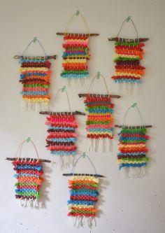 Kids dye their own chunky wool yarn with Koolaid, then make small weaving on cardboard looms. Kids dye their own chunky wool yarn with Koolaid, then make small weaving on cardboard looms. Yarn Crafts For Kids, Winter Crafts For Kids, Fun Crafts, Arts And Crafts, Crafts With Wool, Kids Diy, Creative Crafts, Decor Crafts, Weaving For Kids