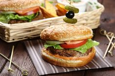 Sandwiches, Snacks, Salmon Burgers, Chicken, Ethnic Recipes, Food, Oatmeal, Roll Up Sandwiches, Tapas Food