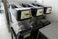 Slush-Ice Maschine SL 123 - Gastronomieausstattung Wien - Karner & Dechow - Auktionen Slush Ice, Catering, Kitchen Appliances, Fine Dining, Auction, Diy Kitchen Appliances, Catering Business, Gastronomia, Home Appliances