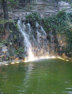 Cascada artificial. www.elhogarnatural.com