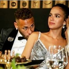 Neymar Jr, Mixed Couples, Cute Couples, Kissing In The Rain, Couple Relationship, Celebs, Celebrities, Gossip Girl, Couple Goals