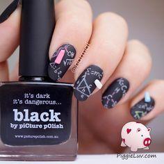PiggieLuv: 3D chalkboard nail art