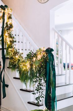 Hello, friends and welcome to The Holiday Housewalk 2018 hosted by my dear friend Christmas Greenery, Rustic Christmas, Winter Christmas, Christmas Wedding, Christmas Home, Christmas Wreaths, Christmas Decorations, Holiday Decor, Christmas Stairs
