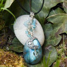 RESERVE - Sautoir féerique labradorite, croissant de lune, cristal de roche…