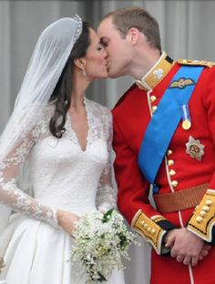 Kate Middleton wedding | Prince William and Kate Middleton Wedding Day Kiss