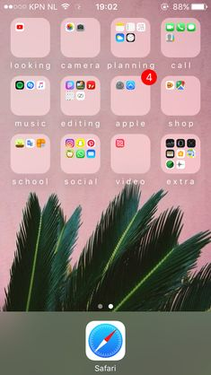 Organize Phone Apps, Iphone Home Screen Layout, Apple Apps, Phone Organization, Fitness Quotes, Homescreen, Apple Iphone, Ios, Types Of Organisation