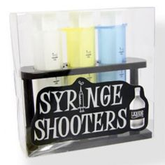 Alcohol Syringe Shots recipe - Jelly Shots Jelly shots are all the rage at parties today. These fun jelly shot recipes are sure to please your party guests! Fun Cocktails, Fun Drinks, Cocktail Parties, Hen Night Ideas, Jelly Shots, Shot Glass Set, Holidays Around The World, Shot Recipes, Party Food And Drinks