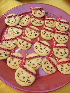 Kekse Zutaten: 150 g Weizenmehl 1 Msp. Backpulver 50 g Zucker 1 Pck. Vanillezucker 100 g weiche Butter oder Margarine mit Zuckerschrift verzieren