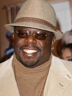 Cedric the Entertainer - sweet shades and hat!