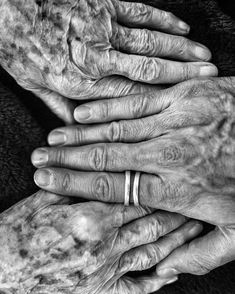 Almost 101 years old ! by jr Jr Art, Year Old, Rings For Men, Black And White, Instagram, Photos, Hands, Fotografia, Artists