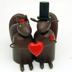 squirrel wedding cake toppers from bunnywithatoolbelt.com