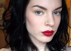 natural skin, contouring, matte red lips // rodeo.net