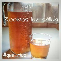 Hoy he seguido el consejo de @monilopezgil y me he preparado una jarra de nuestro rooibos Luz cálida fresco, mediante maceración, tan sólo he dejado la jarra en la nevera con la infusión dentro durante el día y ahora que llego a casa ya os puedo decir que está de rechupete,  bien refrescante con el puntito cítrico de la naranja y ese suave picorcillo al final por el jengibre, buenísimo!  #rooibos #ice #igerstea #food #drinks #orange #ginger