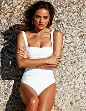 Melissa Odabash Milano One Piece - White Have all eyes on you as you dip in the pool in this Melissa Odabash White Milano One Piece with its dazzling shade of white that will show off your glowing suntan http://www.comparestoreprices.co.uk/january-2017-9/melissa-odabash-milano-one-piece--white.asp
