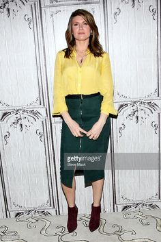Sharon Horgan attends AOL Build to discuss 'Catastrophe' Season 2 at AOL Studios In New York on April 2016 in New York City. Sharon Horgan, Love Her Style, Pattern Mixing, Boho Outfits, Powerful Women, Work Fashion, Color Combinations, Rob Delaney, Personal Style