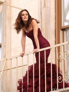 """Leighton Meester, star of """"Gossip Girl"""", shoots a commercial for the next Vera Wang fragrance, out in stores next summer. On signing Leighton Meester as the Gossip Girls, Mode Gossip Girl, Estilo Gossip Girl, Gossip Girl Fashion, Leighton Meester, Chuck Bass, Blair Waldorf, Glamour, Vera Wang Perfume"""