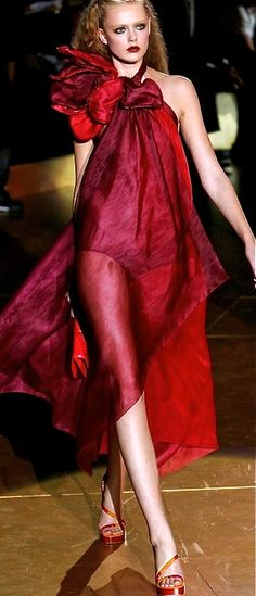 Marc Jacobs----<3---<3 a Lady in Red!