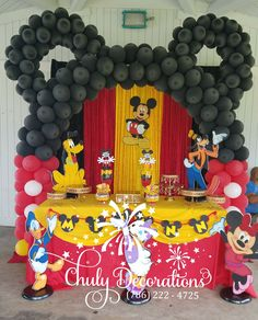 Fiesta Mickey Mouse, Mickey Mouse Balloons, Mickey Mouse 1st Birthday, Mickey Mouse Parties, Baby 1st Birthday, 1st Birthday Parties, Mickeys Christmas Party, Mickey Christmas, Mickey Party Decorations