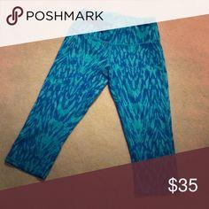 Zella Capri workout pants Blue and teal, super comfy and stretchy Zella Pants Capris
