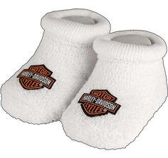 Harley Davidson riders will love these cozy little baby socks featuring the traditional Harley Motor Cycles logo. Socks come boxed in an official Harley Davidson branded box and are a ready to give gi