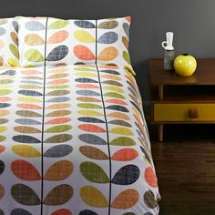 Love the colors and pattern on this bedding.