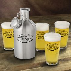 JDS Personalized Gifts Weizen Personalized 5 Piece Stainless Steel Beer Growler and Pint Glass Set