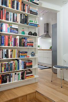 Swedish apartment 111 Charming Swedish Apartment Exhibiting an Original Floor Plan